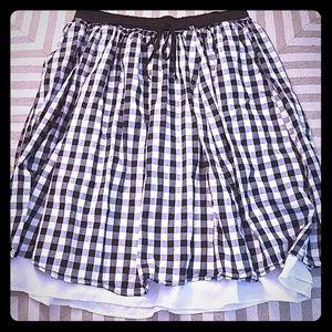 Black & White Checkered Skirt w/ Pockets!!